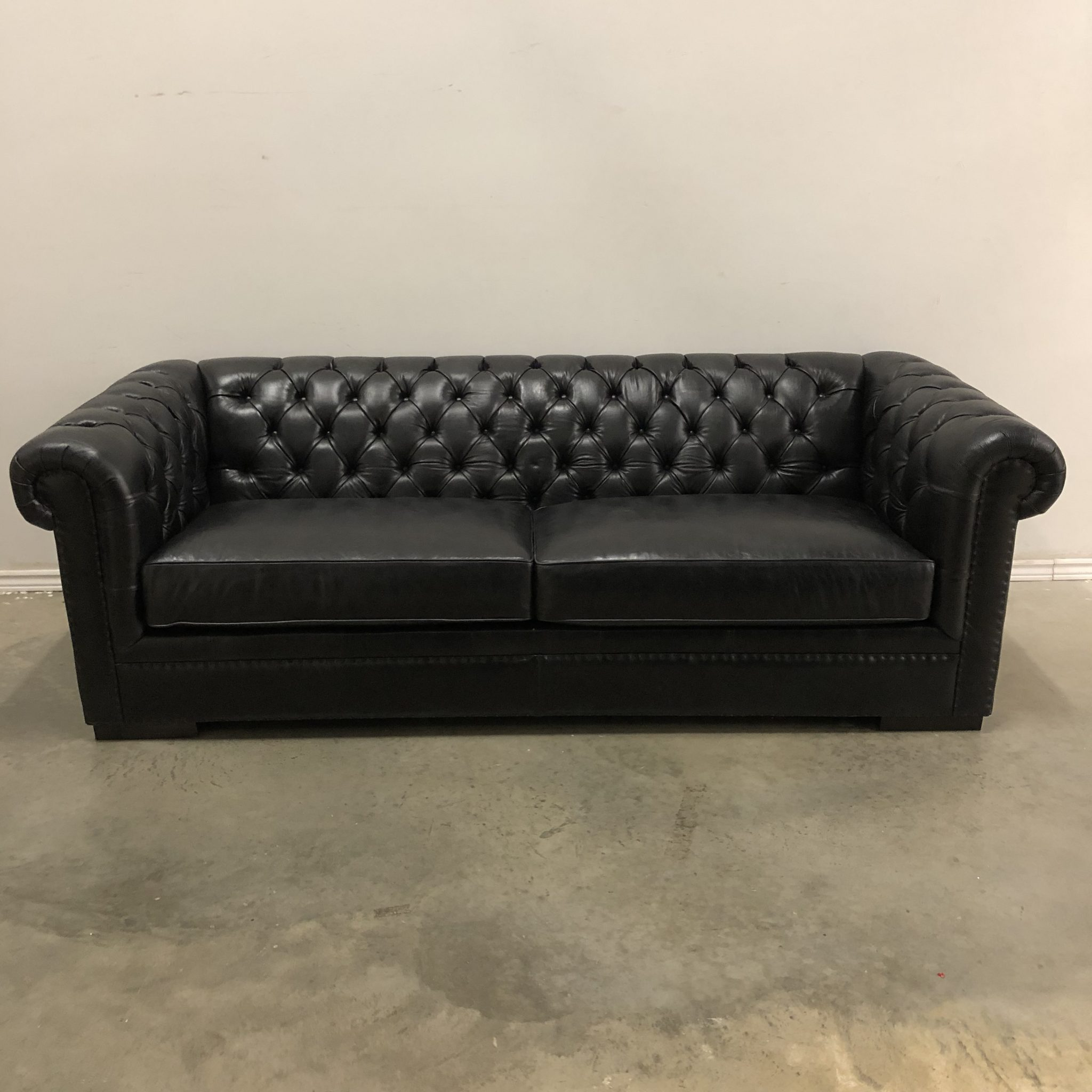 KENNEDY TUFTED LEATHER SOFA